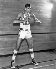 Phil Jackson. Jugador de baloncesto en la Universidad de Dakota del Norte
